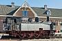 """Humboldt 1052 - Denkmal __.04.2015 - Marrum (Friesland), ehemaliger Bahnhof Marrum-WesternijkerkWikipedia, User """"Uberprutzer"""""""